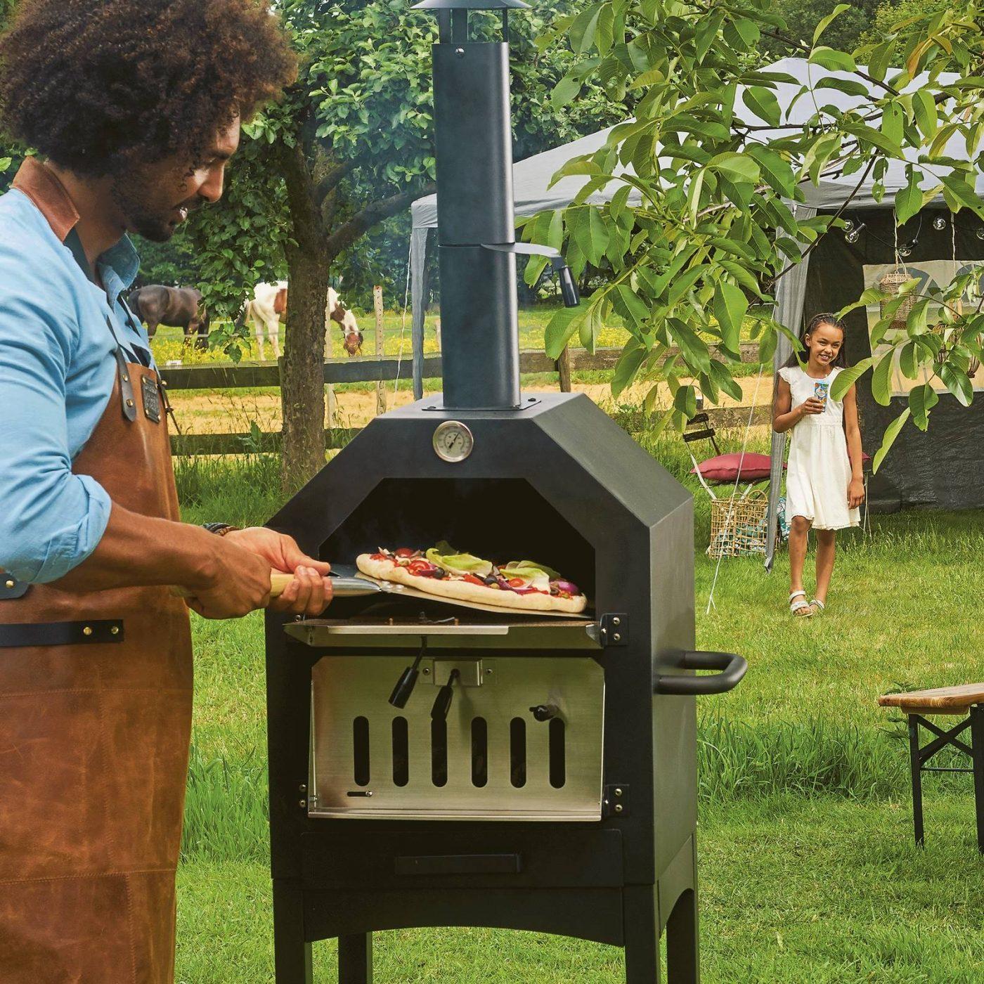 Aldi slaat terug met betaalbare pizza oven voor in de tuin 01