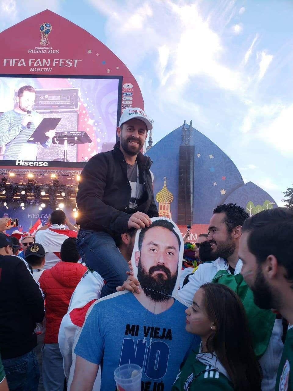 Mexicaan mag van vrouw niet naar WK vriendengroep verzint iets briljants 04