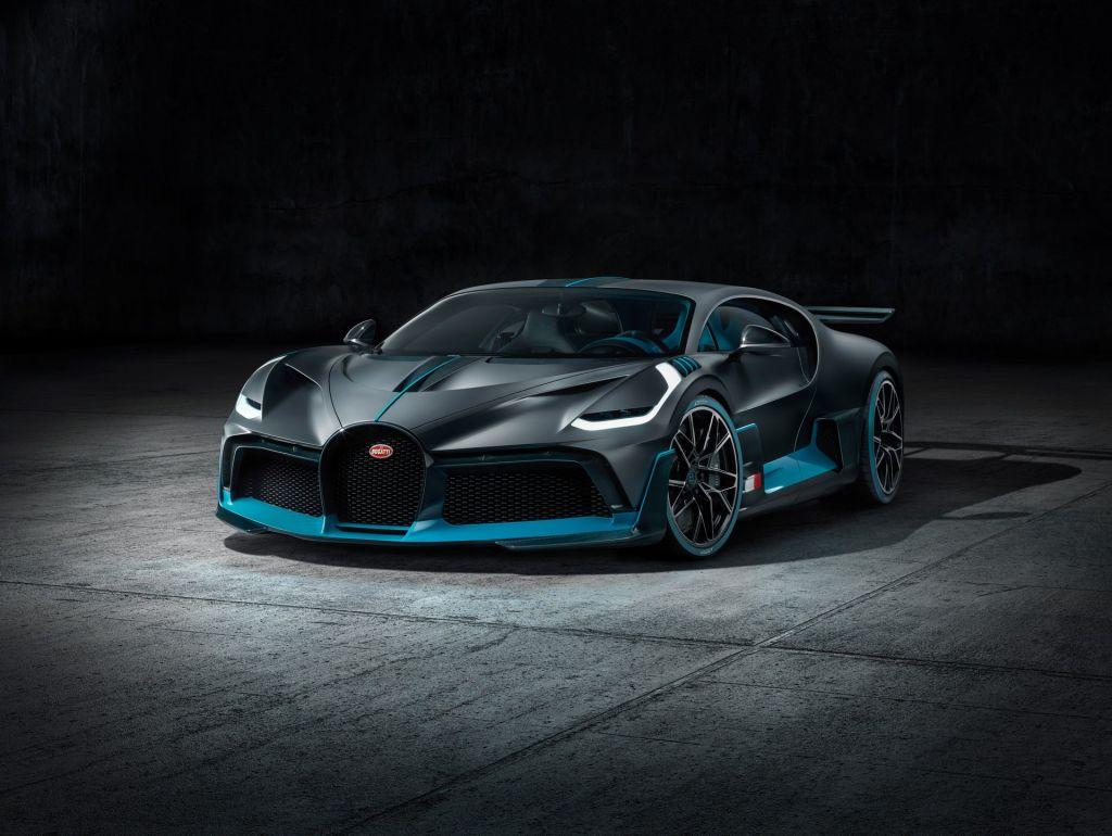 Bugatti Divo 15