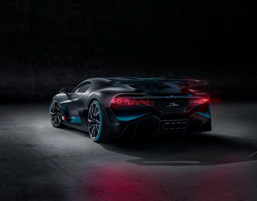 Bugatti Divo 18