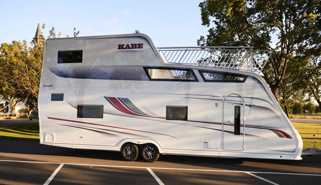 Deze next level caravan met dakterras heeft 2 verdiepingen