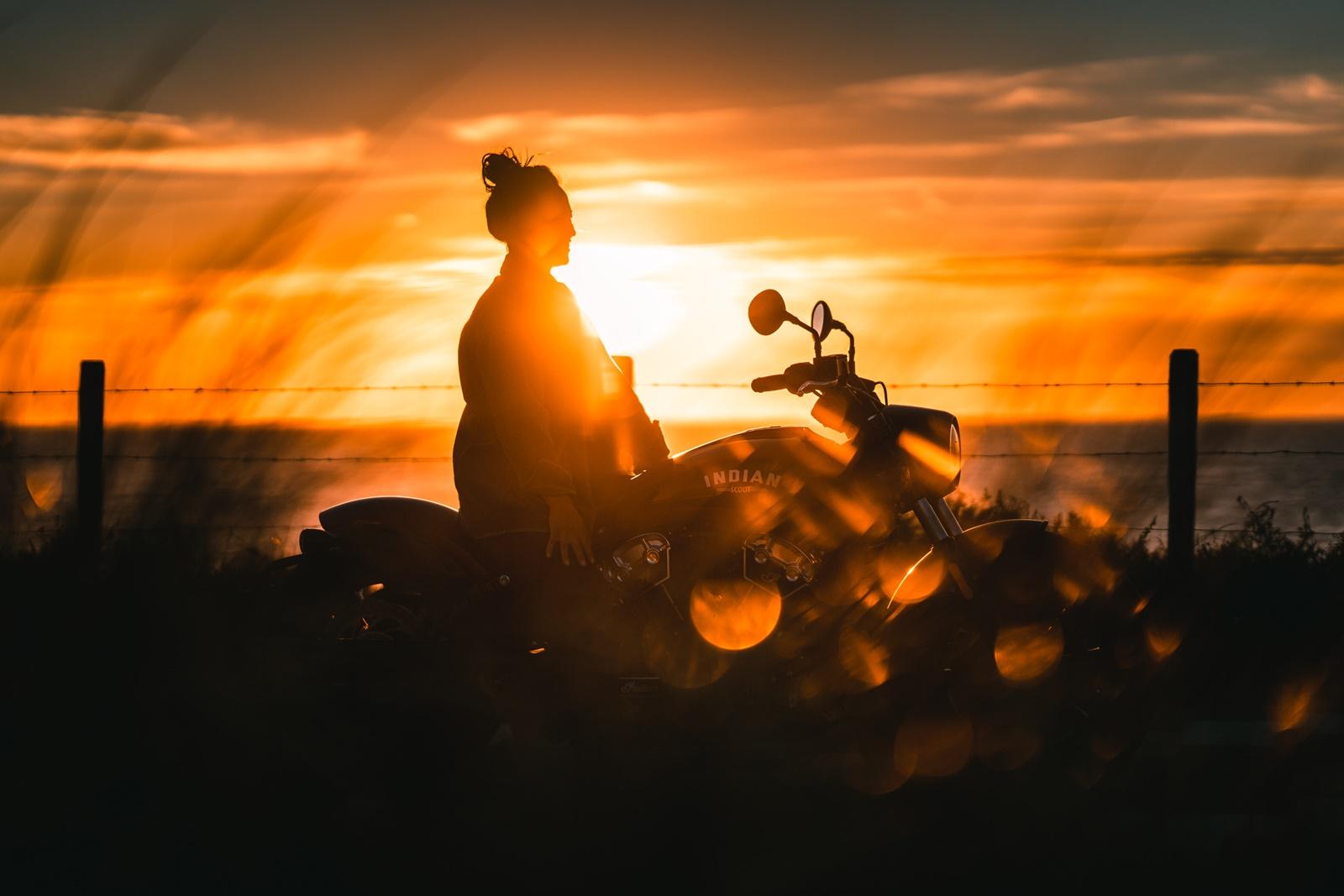 De Harleyducthies combineren de dikste motoren met mooie Hollandse vrouwen 06