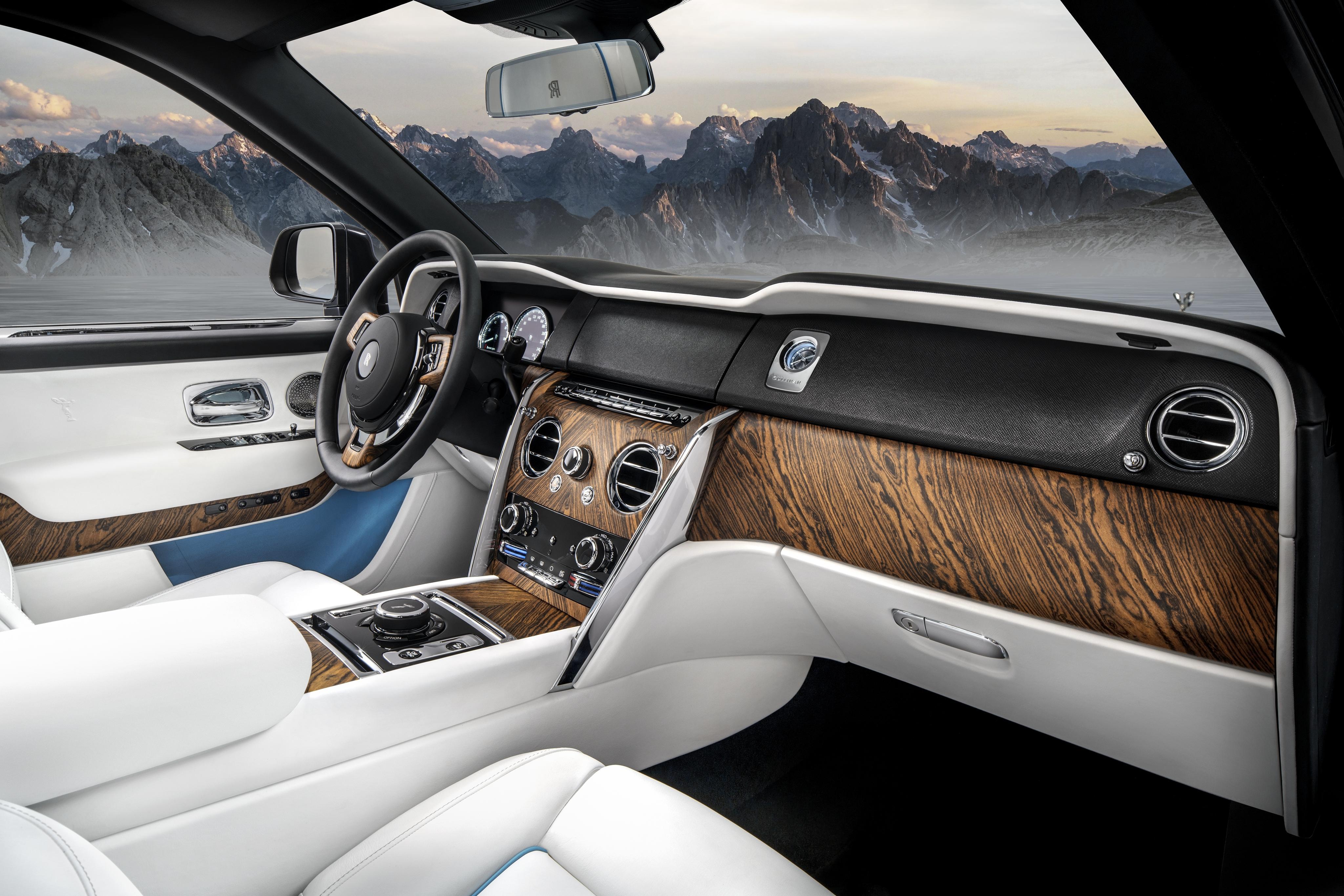 Check deze nieuwe monster suv van Rolls Royce 01 1