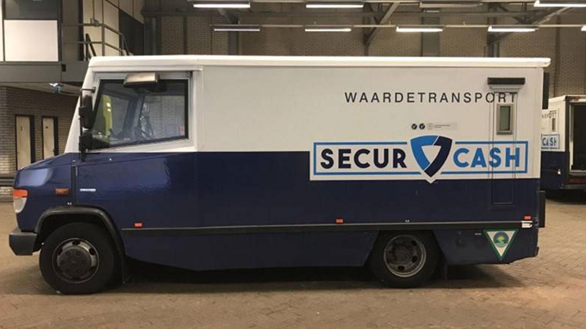 Voor slechts 1500 euro koop jij een gepantserde geldwagen 01