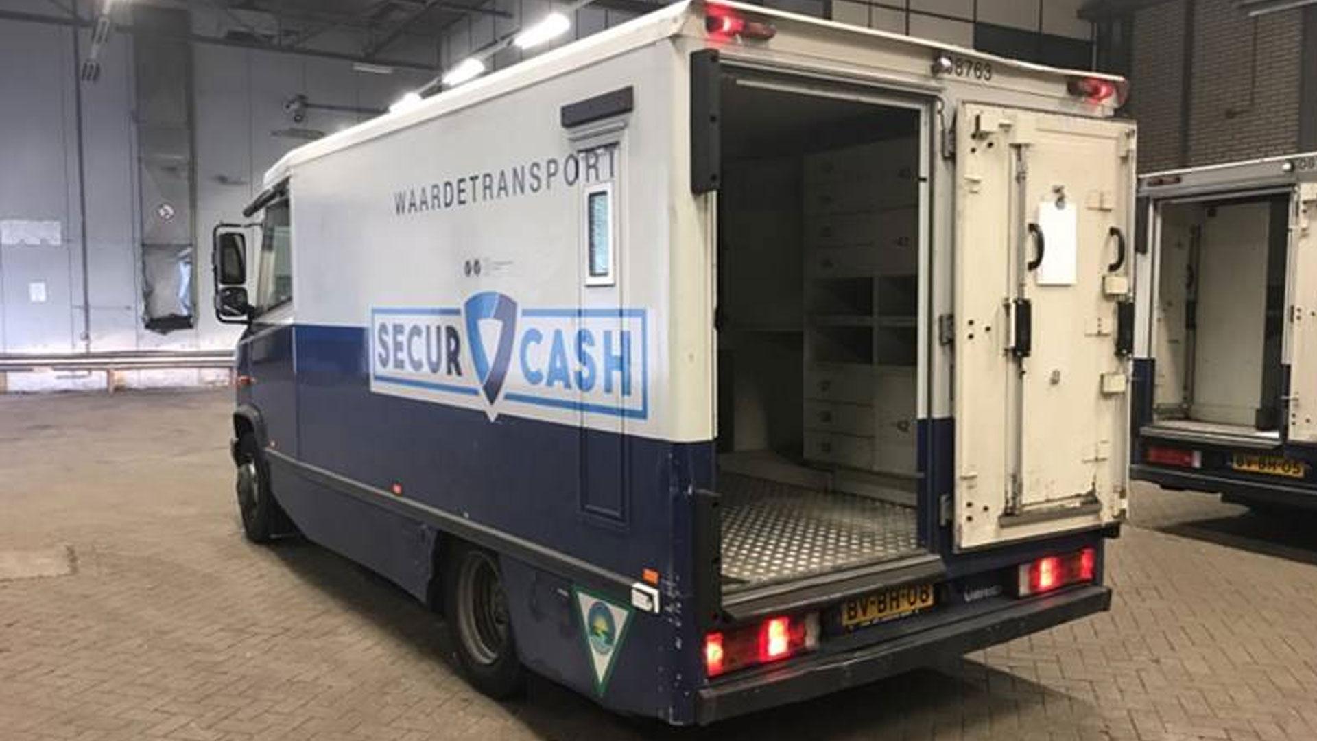 Voor slechts 1500 euro koop jij een gepantserde geldwagen 02