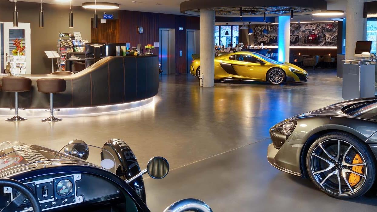 Beleef je autodroom in het allereerste V8 hotel 2