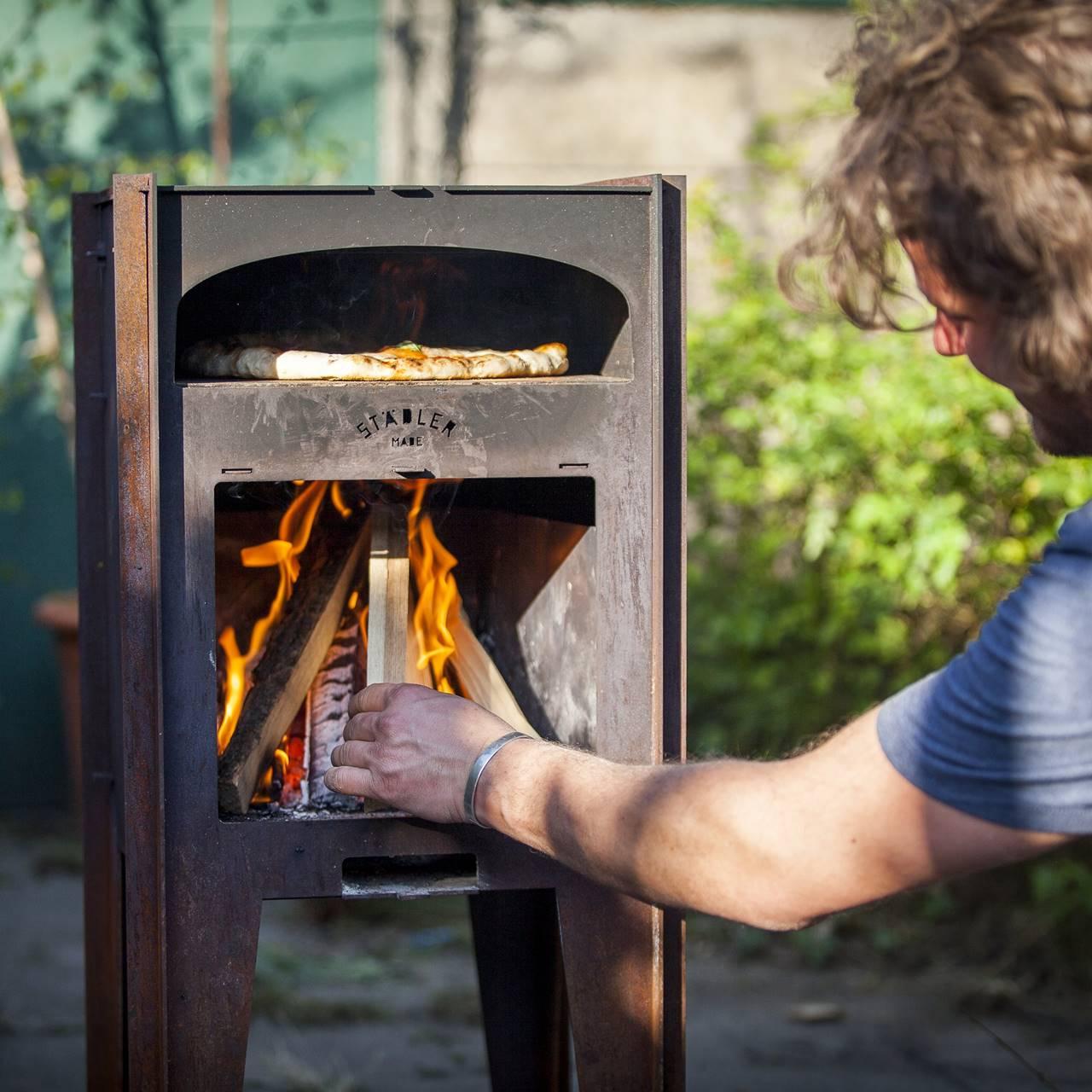 Deze pizza houtoven kachel maakt in de zomer elke achtertuin compleet 4