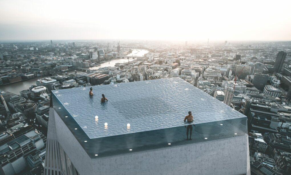 Deze wolkenkrabber in Londen is de eerste met een 360 graden infinity pool