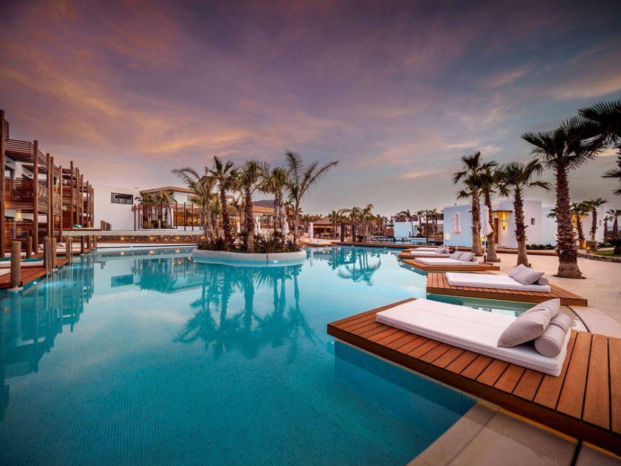 Dit prachtige resort in Griekenland is een ware hemel op aarde 1