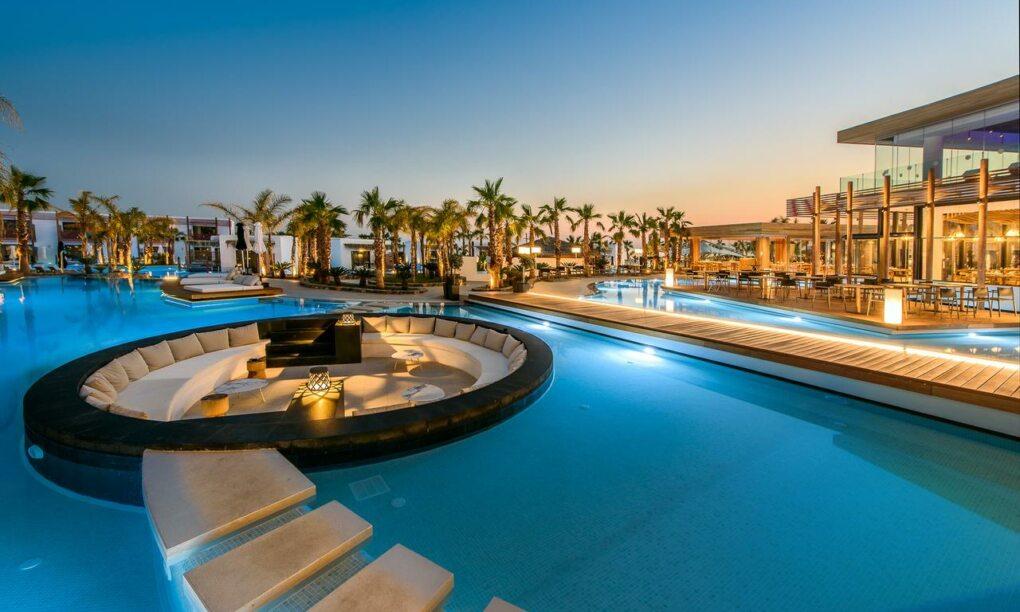 Dit prachtige resort in Griekenland is een ware hemel op aarde