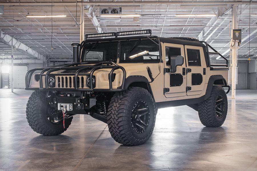 Voor maar €220.000 ben jij trotse eigenaar van deze extreme Hummer H11