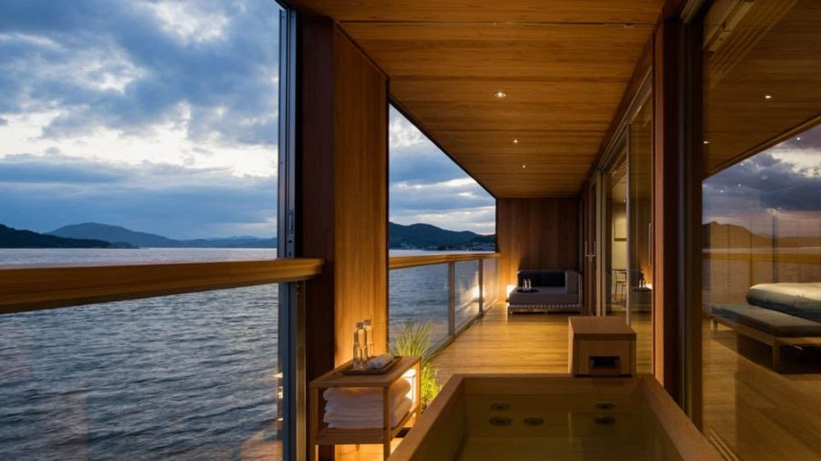 Dit drijvende hotel in Japan staat vanaf nu hoog op de bucketlist1