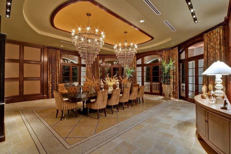 Neem een kijkje in de grootste en meest luxe villa op het Kaaimaneiland 6