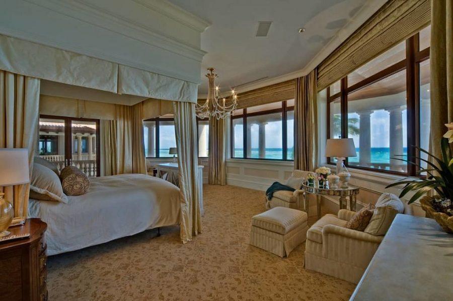 Neem een kijkje in de grootste en meest luxe villa op het Kaaimaneiland 8