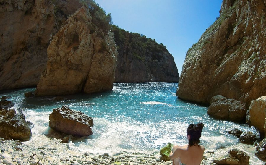 De mooiste baaitjes en stranden vind je gewoon aan de Spaanse Costa Blanca 15