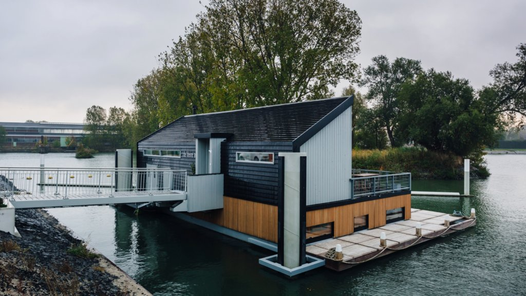 De ultieme woonboot dit is echt een paradijs op het water 4