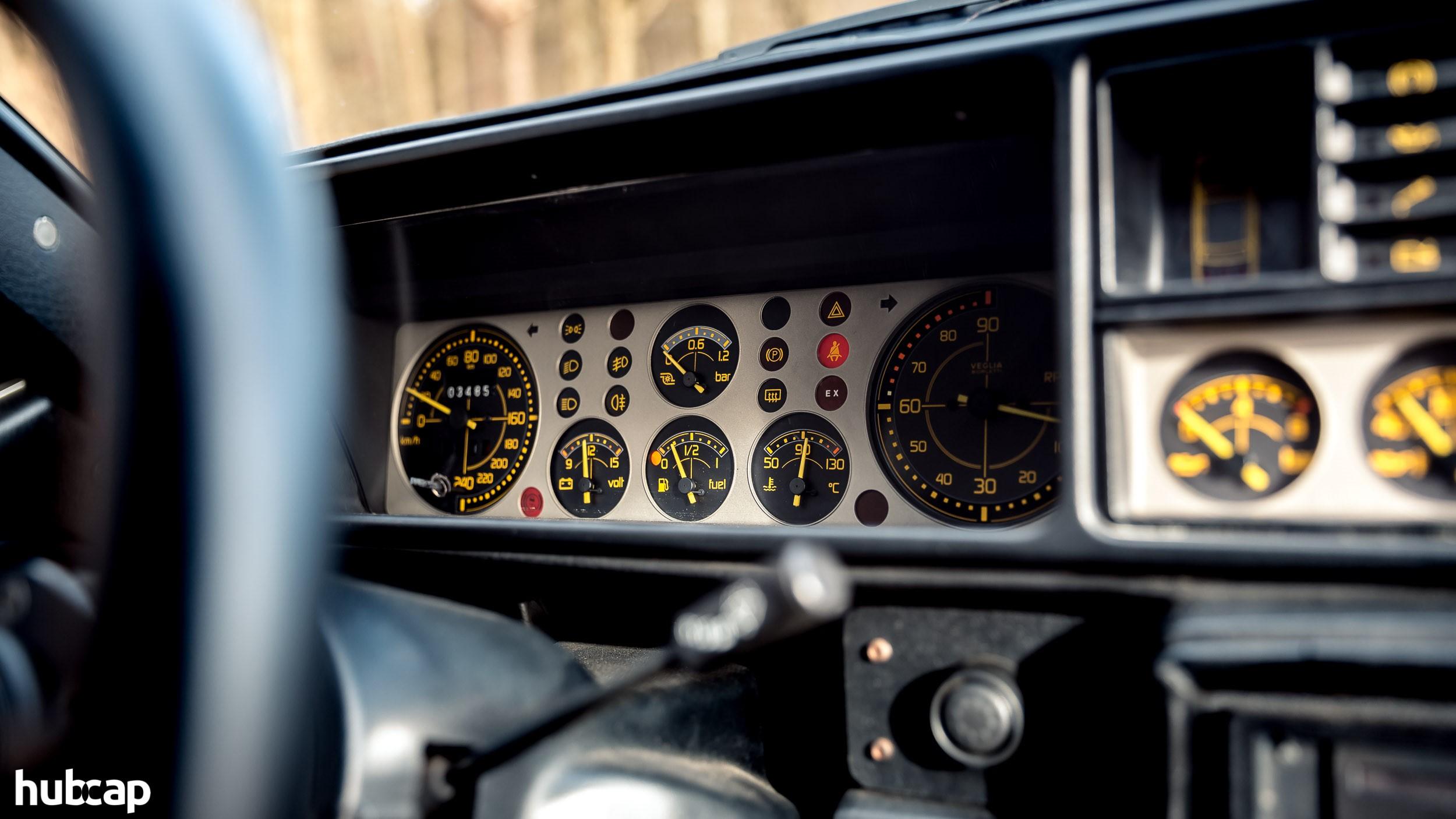 Lancia Delta HF Integrale Evo 1 de gezinsauto die een legendarische rallyauto werd 02