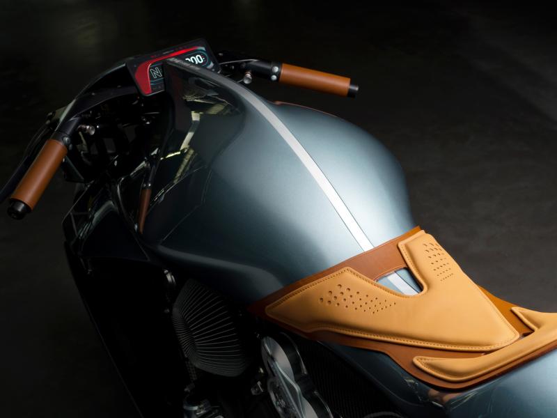 De eerste Aston Martin motor is officieel een feit 4