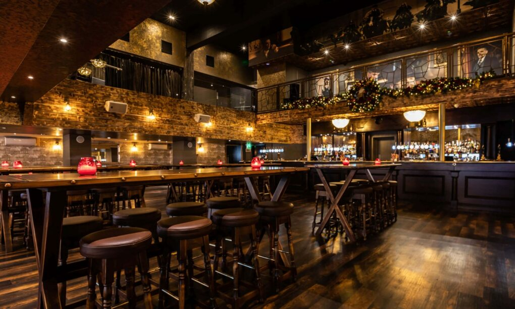 Er is een echte Peaky Blinders bar geopend in Den Haag1 1