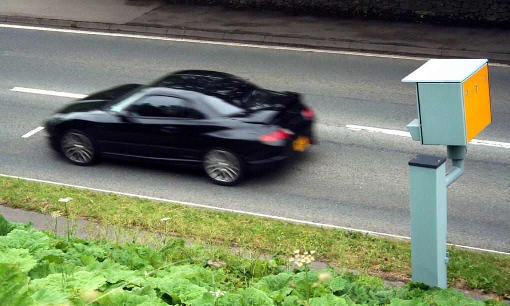 AliExpress verkoopt een sneaky gadget om verkeerstboetes te voorkomen