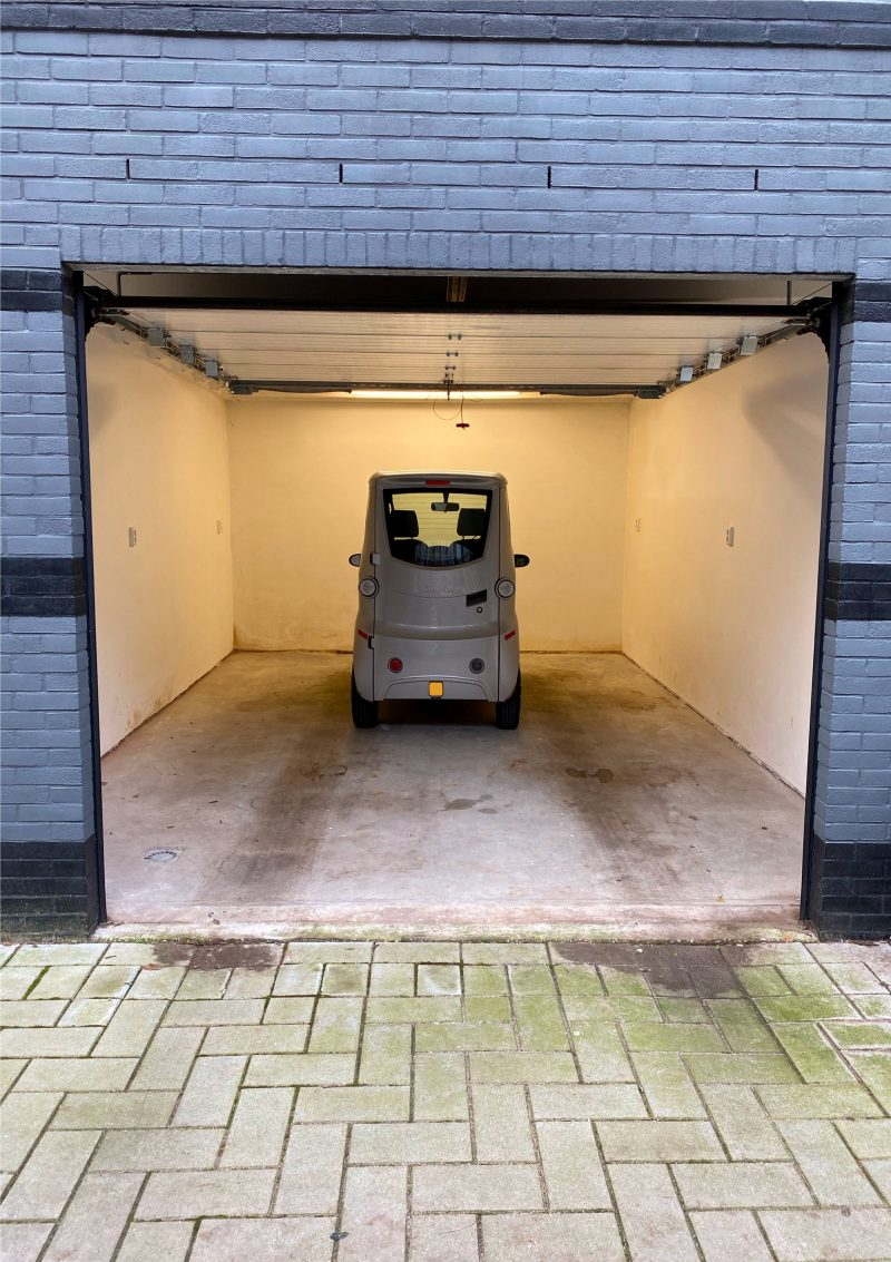 funda_amsterdam_garage