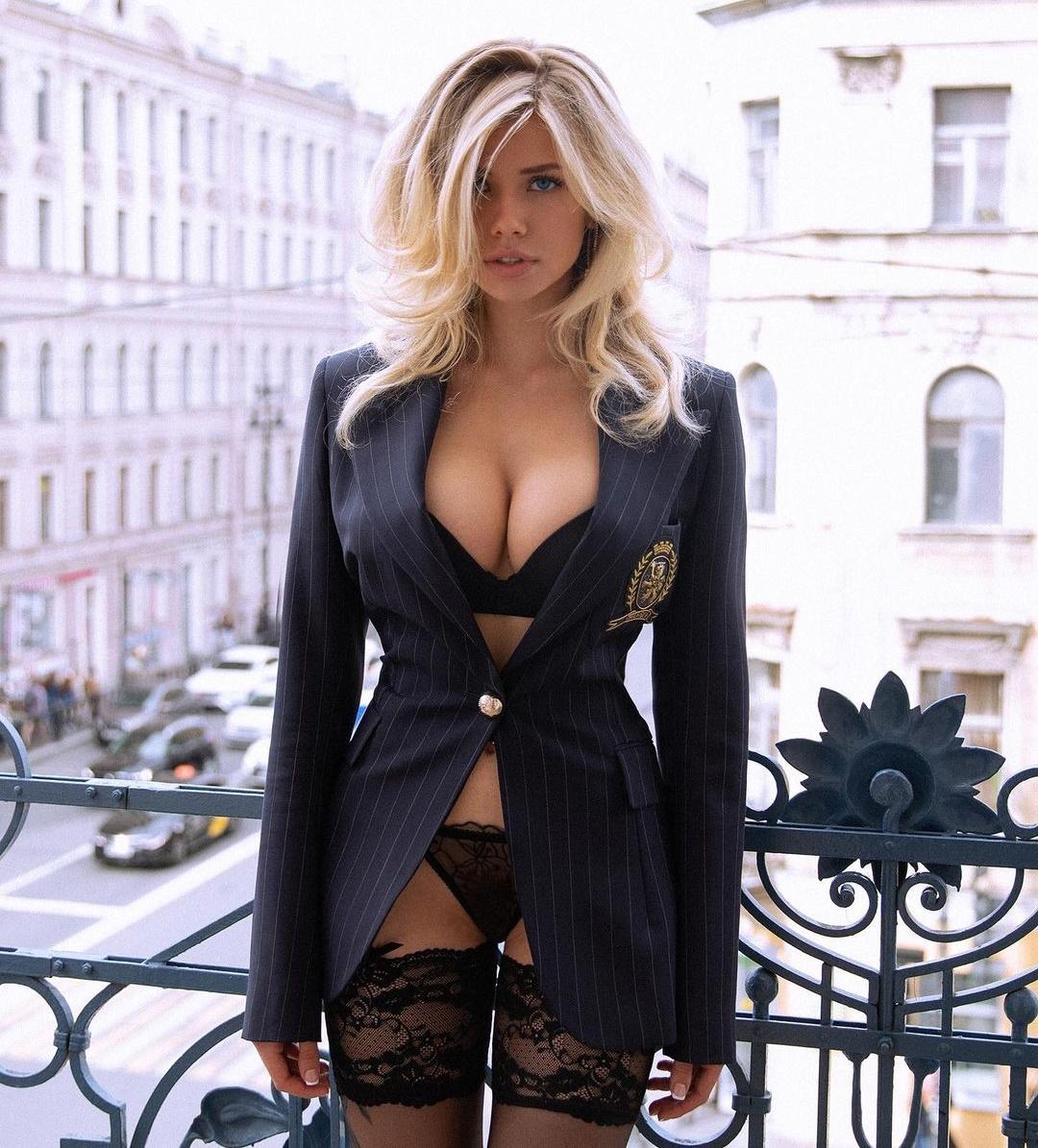 Natasha Natalee.007 Natalya Krasinova meest sexy vrouw ter wereld