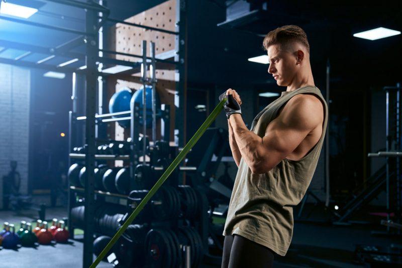 thuis trainen fitnessapparatuur