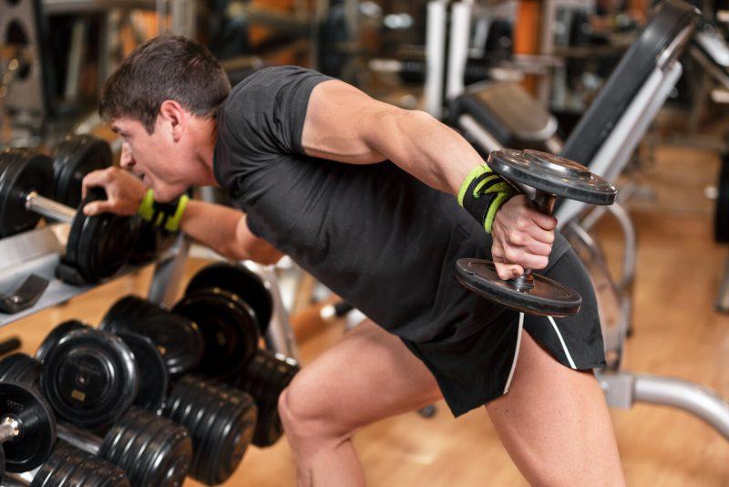 triceps oefeningen kickback