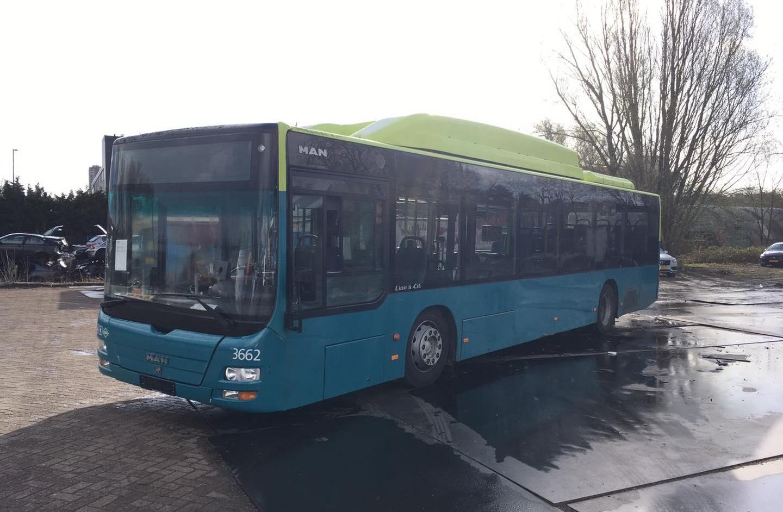 Originele Connexxion lijnbus te koop voor een prikkie