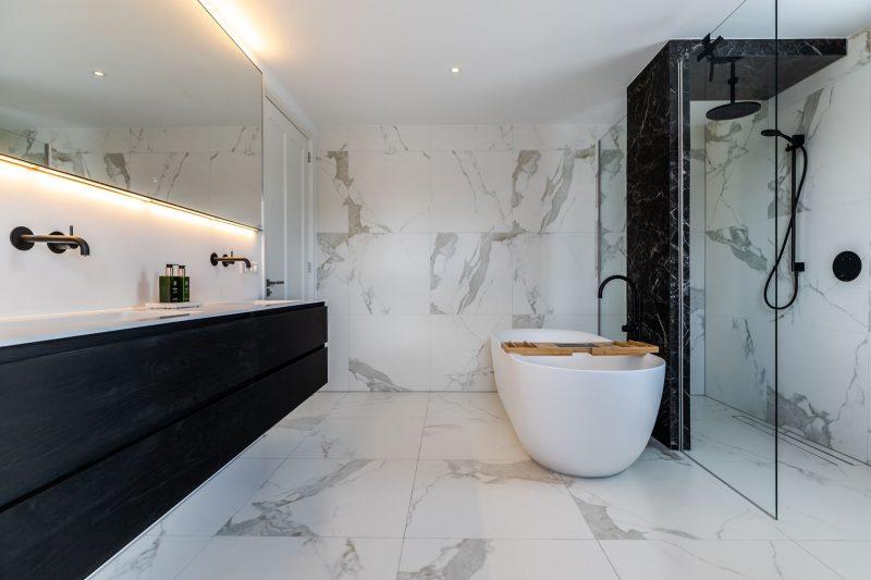 funda villa badkamer